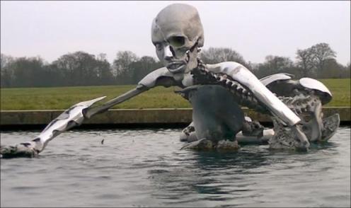 http://www.jungeheimatseite.webs.com/corner/skeletal-merger-statue-at-the-grove.jpg