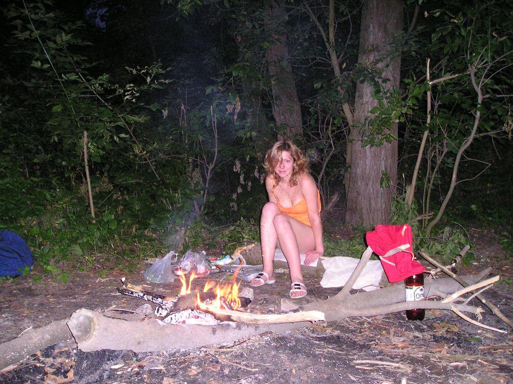 Sex mit zwei deutschen Weibern im Wald